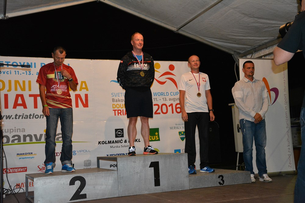 Damian na trzecim stopniu podium