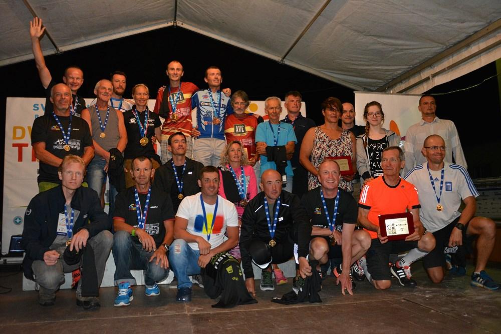 wspólna fotografia uczestników